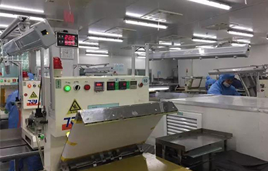 Application of AP-DB1213 space ion bar on FPC circuit board pressing machine workshop